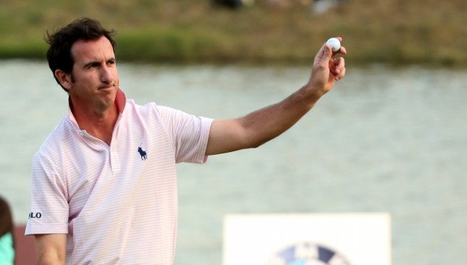 """Fernández-Castaño, """"Jugador del mes de octubre"""" del European Tour celebró el título en el séptimo aniversario de su boda"""