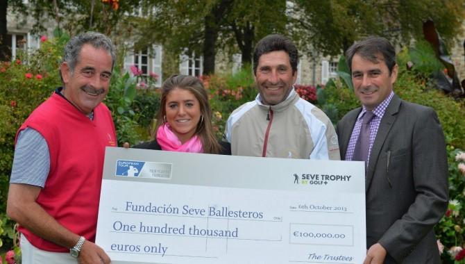 Carmen Ballesteros, hija de Seve, recibió 100.000 € de manos de los capitanes del Seve Trophy destinados a la Fundación de su padre