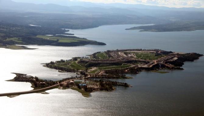 La Junta de Extremadura estudia impugnar la sentencia del Tribunal Supremo que obliga a destruir Isla Valdecañas