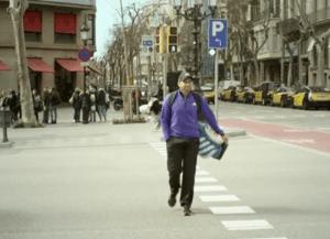 sergio en barelona con bolsa  15